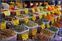 ISTANBUL'S INTRIGUING SPICE MARKET